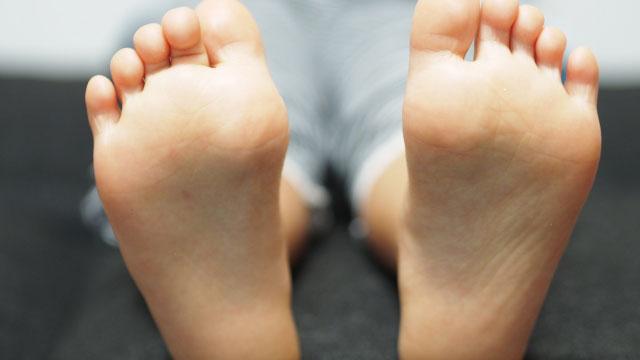 ランニングシューズ選びのために実は重要な「足のアーチ」の知識
